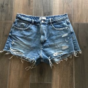 EUC ZARA Distressed denim high-waisted shorts!!